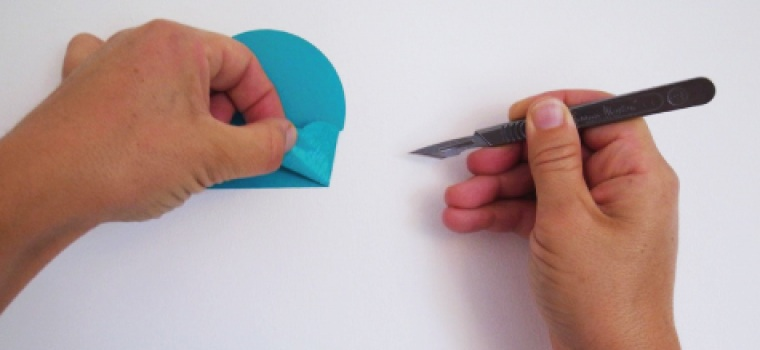 Are vinyl wall stickers removable?